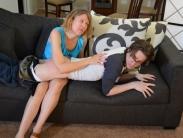 spanking-mom (11)