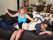 spanking-mom (8)