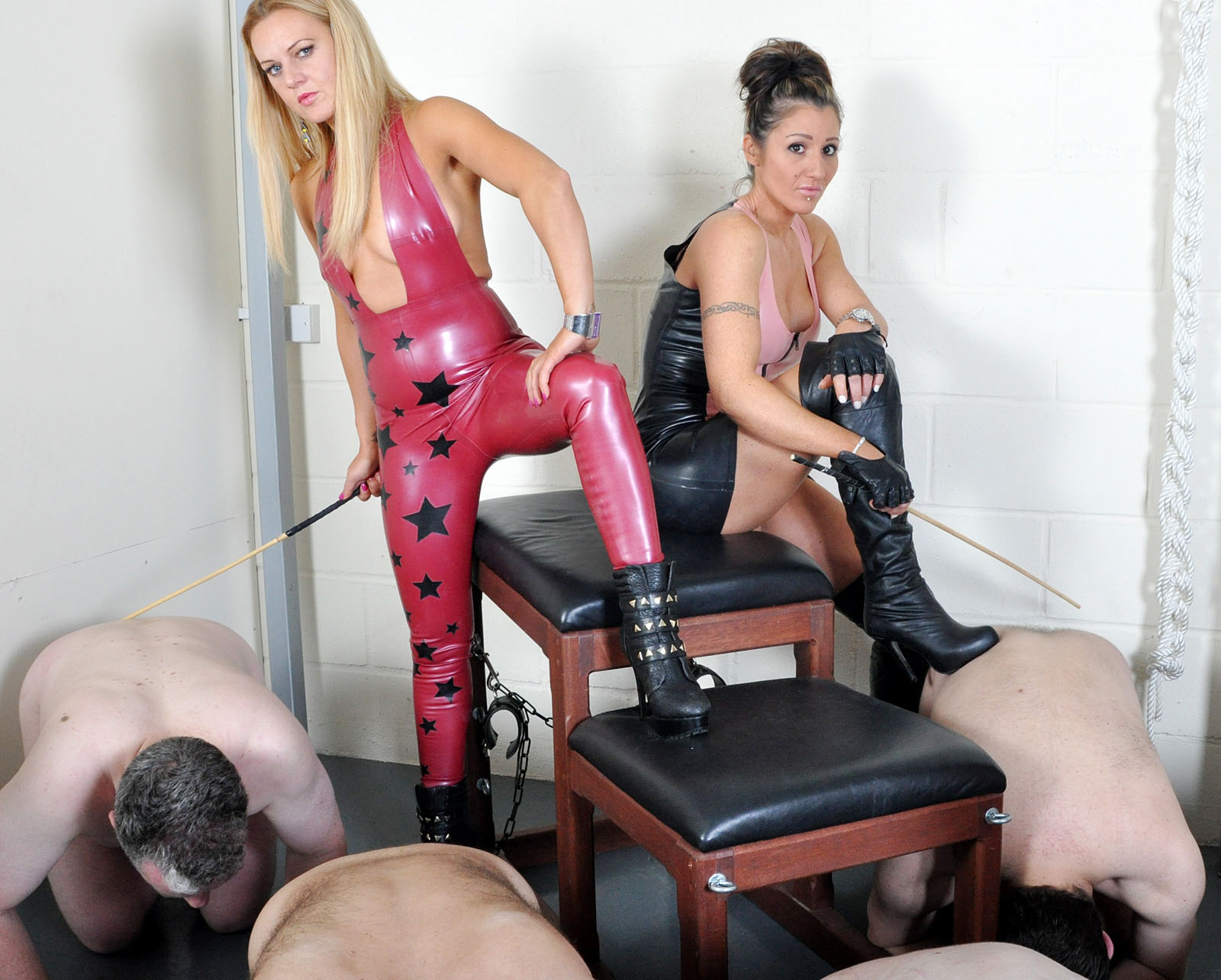 sexwebcam femdom whipping